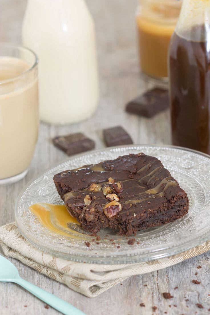 Brownie chocolat et noix de coco (vegan sans oeuf sans beurre sans gluten)  http://auvertaveclili.fr/brownie-fondant-sans-oeuf-et-sans-gluten-a-la-noix-de-coco-vegan/