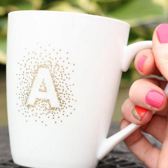 Initiale dorée sur un Mug – DIY déco pour un cadeaux parfait