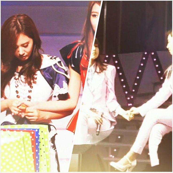 [291114 Beijing Fan Buluşması] Bugün kızlar Yuri'ye sürpriz doğum günü partisi hazırlamışlardı. Sürpriz için Sooyoung bir süre hasta rolü yaptı ve kötü olduğunu söyleyip sahne arkasına gitti. Sahne arkasında diğer görevlilerle birlikte pastayı hazırladı ve sahneye getirdi. Yuri çok şaşırmışa benziyordu, planı öğrenince Sooyoung'a hafifçe vurdu ve onun için ne kadar endişelendiğini söyleyip bir daha böyle yapmamasını istedi.