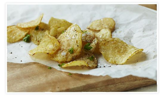 Homemade chipsGoopcom, Chips Sweets, Homemade Chips, Sweets Potatoes Chips, Homemade Crisps, Chips Recipe, Homemade Potatoes, Beets Chips, Chips Goop Com