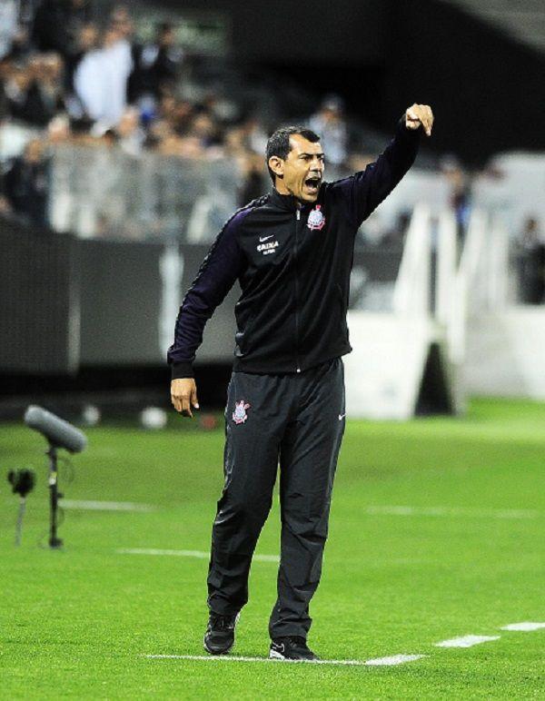 Carille diz que só boas atuações farão torcida do Corinthians voltar à Arena #globoesporte