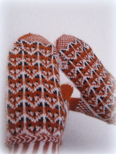 fox in snow mittens. patons pattern