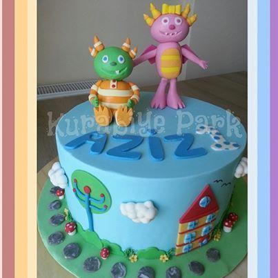 Hugglemonsters Cake- Summer and Ivor Hugglemonster