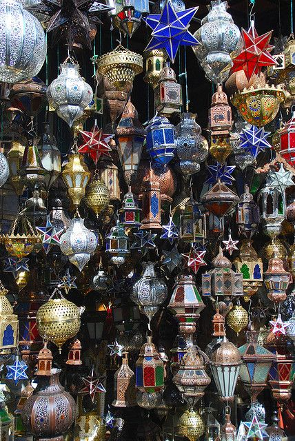 Lanterns, Khan el Khalili Market, Cairo. Photo by wanderlust326 (flickr).