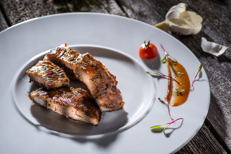 Preparate calde cu pui, porc sau peste. Comanda online