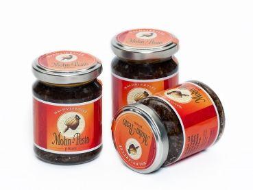 Mohnpesto (Zutaten: Waldviertler Mohnöl (23%), Rapsöl, Graumohn (17%), Parmesan, Pinienkerne, Chilipaste)