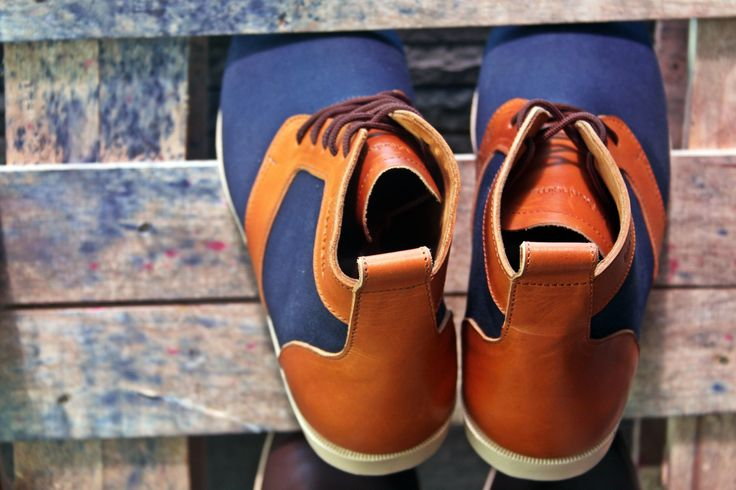 #CALEB, canvas & pull up leather more info: www.blankenheimstyle.com