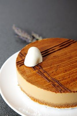 Baileys Irish Coffee Cheesecake with Lavender Mousse- Ingredients:Lavender mousse:50g cream cheese,70g whipping cream,25g sugar,2 tsp driedlavender, 60ml hot water,3g sheet gelatine. Baileys Irish Coffee Cheesecakeadapted from here (Chinese) Crust:100g caramelised biscuit crumbs,30g unsalted butter (melted)Coffee cheese Filling: 150g milk,10g coffee powder,1/2 stick vanilla pod (split in half),250g cream cheese,90g sugar,200g whipping cream 65g Baileys Irish cream,12g sheet g sheet gelatine