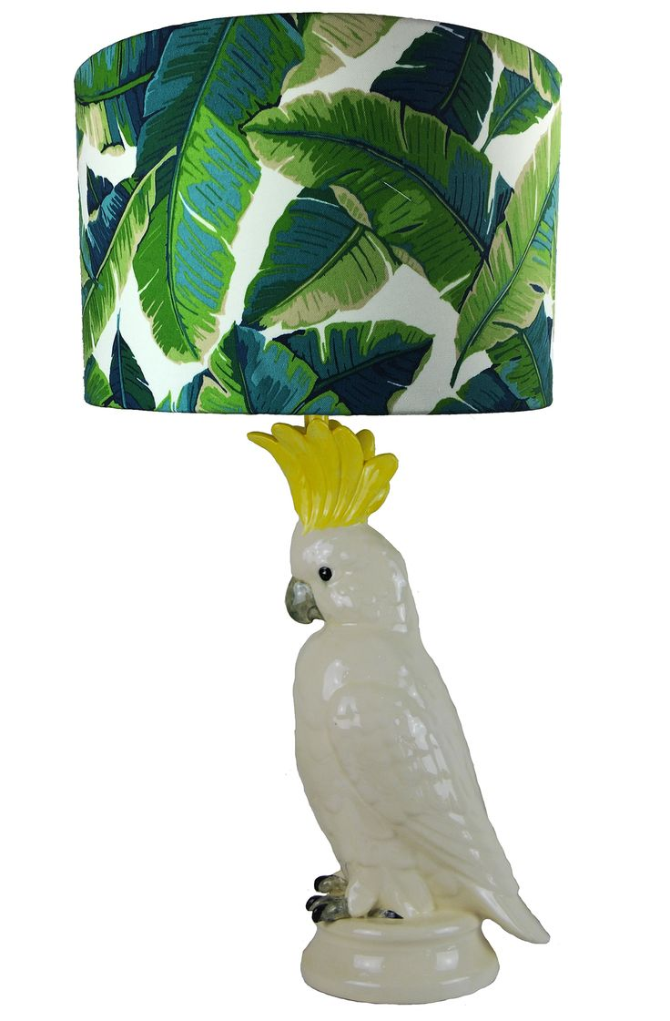 Traditional Sulphur Crested Cockatoo Table Lamp