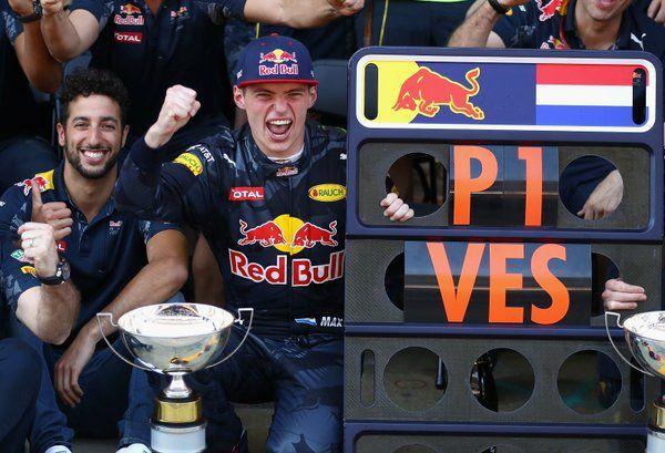 Ricciardo supports Verstappen.