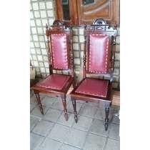 Duas Cadeira Colonial Antiga Em Imbuia Já Em Extinção.