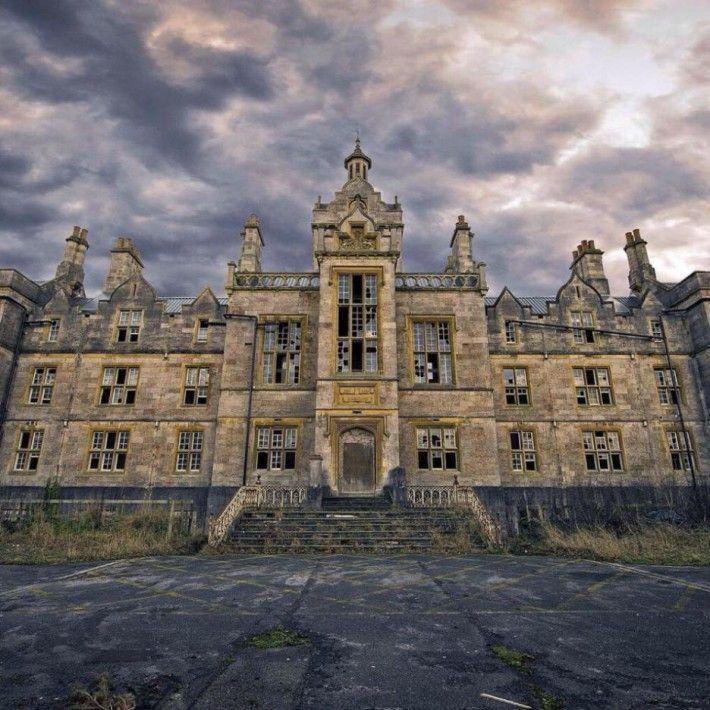 Друг безлюден замък