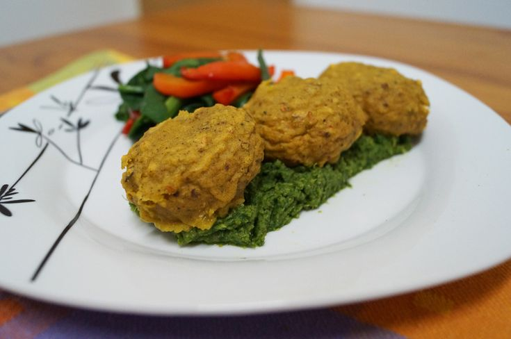 Baked Mushroom Pakora served on Broccoli & Garlic Puree with a Spinach & Roasted Red Pepper Stack