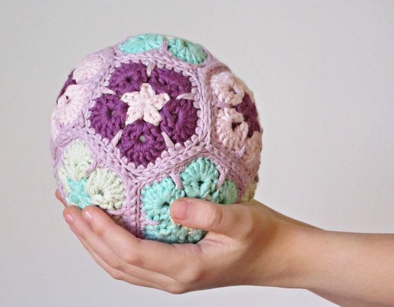 Easy African Flower Crochet Pattern : 138 best images about African flower on Pinterest ...