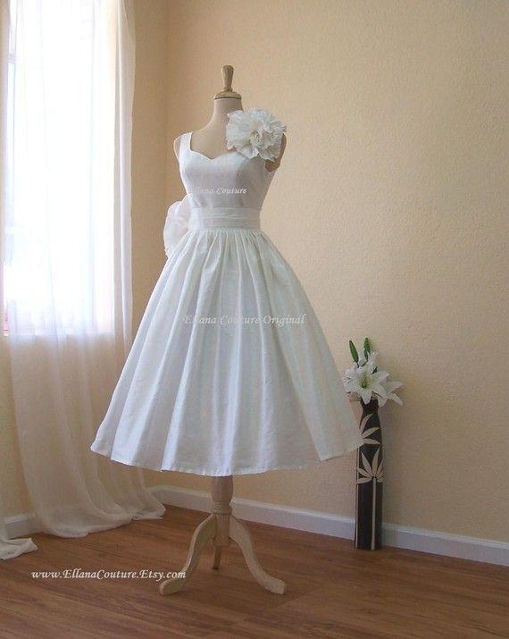 Magnolia by Ellana Couture via @Etsy Weddings