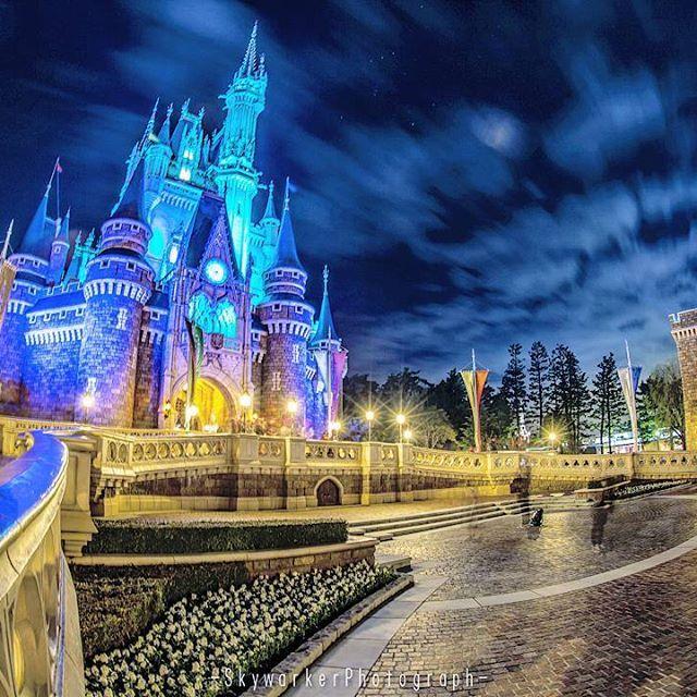 Instagram【yuta__tanno】さんの写真をピンしています。 《- Cinderella Castle - * 本日もシンデレラ城😉🏰❄✨✨ * どこから見ても絵になるって凄い事だと思います😌💖✨ * 来月も行きたいけど仕事が鬼のように入ってるのできつそうであります😂💦💦 * *********************************************** #Tokyodisneyland #TDL #TokyoDisneyresort #Disneygram #special_spot_ #scenery #nightview #landscape #fantasyland #cinderellascastle #wu_japan #japan_night_view #team_jp_ #special_shots_ #beautiful #Disneyphoto #gf_afterdark #noitenoinstagram #Disneyparks #world_bestnight #disney部 #Disneyparkview…