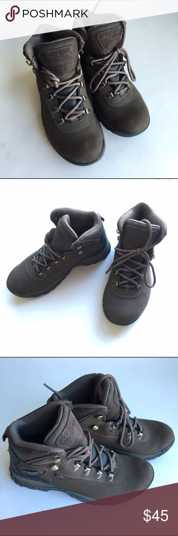 Columbia women's hiking shoes only used once This is almost like brand new used it once it's still very clean. It's size 8 brown and ready to be yours. Columbia Shoes Athletic Shoes