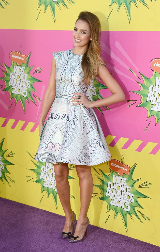 Jessica Alba Photos - Nickelodeon's 26th Annual Kids' Choice Awards - Arrivals - Zimbio