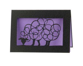 5 x 7 Lasergesneden kaart van mijn papier snijden twee honden. Gesneden uit zware zwarte roos met uw keuze uit kleur binnen. Hier weergegeven met oranje. Tweede pic toont paars.  Kaart wordt geleverd met een gekleurde envelop die zal coördineren mooi met de kleur die u kiest. Alle omsloten in een duidelijk hoes.  Uw kleurkeuze bij het bekijken van alle kleuren in de handgemaakte kaart sectie aanpassen  Elke kaart is ondertekend op de rug door mij :)  binnen kleur keuzes:  slagroom Mango…