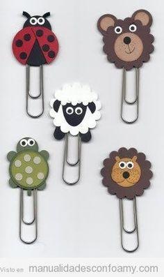 No solo se pueden decorar los lápices con goma eva, también puedes decorar otro tipo de material escolar, como los clips. Estos, que están decorados con animales graciosos hechos con goma eva, qued…