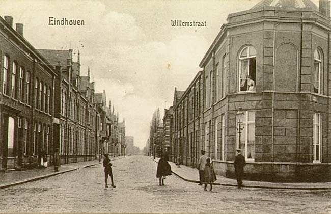 Willemstraat hoek Emmasingel.