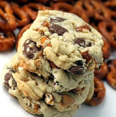 pretzel choc. chip cookies. Salty and sweet~~    Ingredients:  1 1/2 cups of all purpose flour  1/2 tsp. of salt  1/4 tsp. of baking soda  1/2 cup of butter at room temperature  1/2 cup of tightly packed light brown sugar  1/3 cup of granulated sugar  1 egg (beaten)  1 tsp vanilla extract  1 cup milk chocolate chips  1/2 cup peanut butter chips  1/