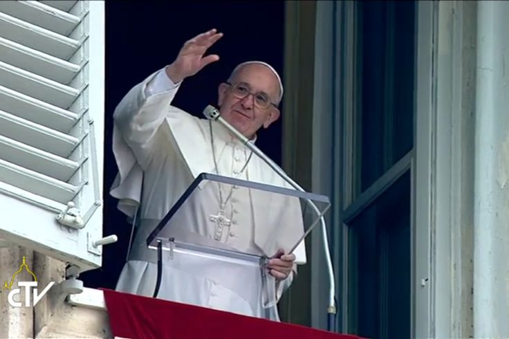"""01/01/17 - Angelus Address on Mary, Mother of God - ZENIT News - After the Angelus, Pope Francis said he proposed in this year's message for the World Day of Peace """"to take nonviolence as a way for a policy of peace."""" He spoke of the violence in Turkey that night, praying for the victims and the injured of the terrorist attack in Istanbul."""