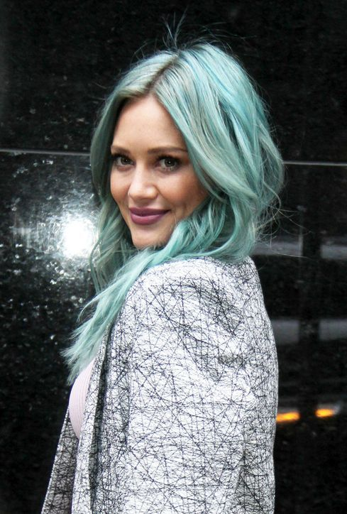 Hilary Duff's turquoise mermaid hair and purple lipstick