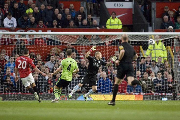Robbin van Persie on the volley