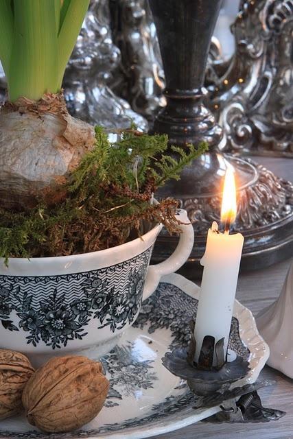 pretty vintage Christmas arrangement