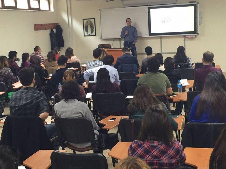 Kariro.com ailesi olarak Arel Üniversitesi'nde öğrencilere Sosyal Medya ve Dijital Pazarlama Eğitimi Verdik... #sosyalmedya #dijitalpazarlama #kariyer