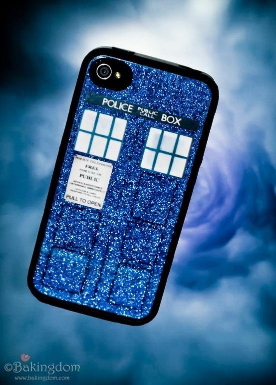 A Do-it-yourself Doctor Who/Tardis iPhone case! so making this