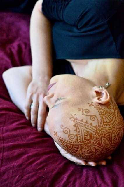 facing chemotherapy with mendhi - strength and beauty (repinned)