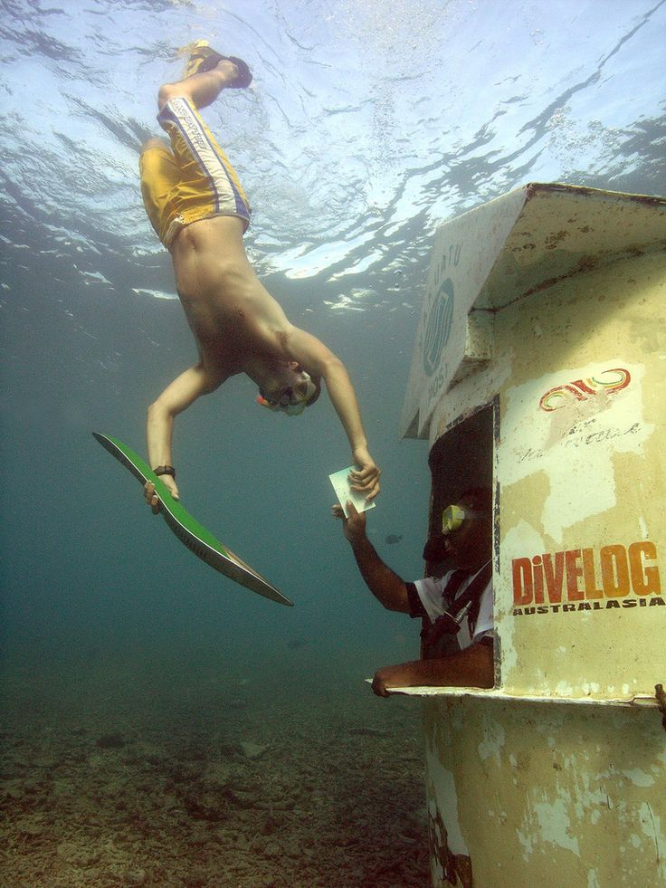 #glasgow #glasgow2014 #melbourne2006 #commonwealthgames #QBR   Scuba diver Jarred Patterson takes the Melbourne 2006 Queen's Baton with him as he buys a stamp for the Underwater Postbox at Hideaway Island in Vanuatu.  www.glasgow2014.com