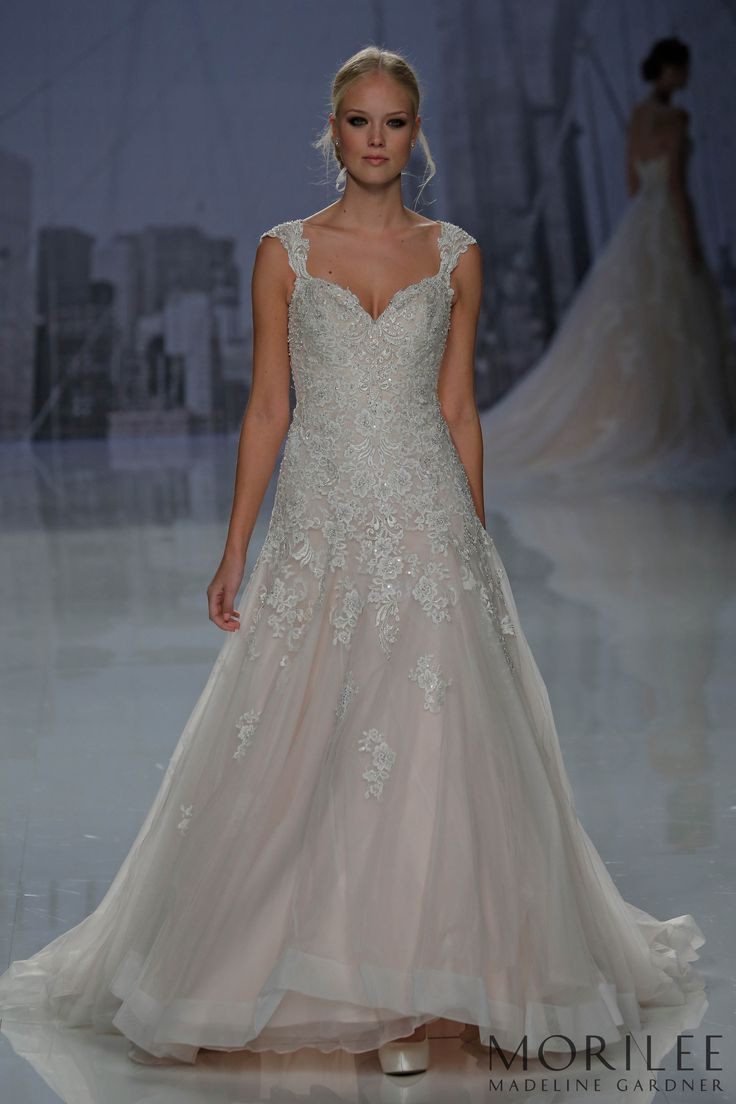 160 best Lovely Lace images on Pinterest | Wedding frocks ...