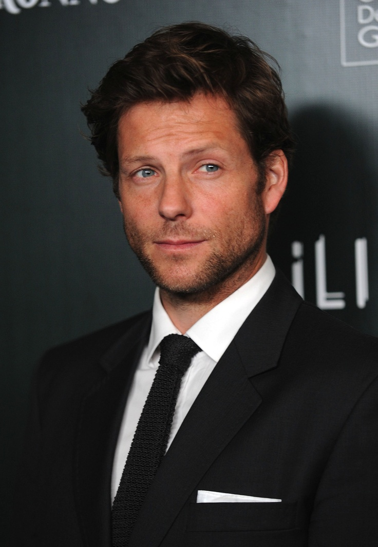 Jamie Bamber never fails to make me feels like a pervy old woman.