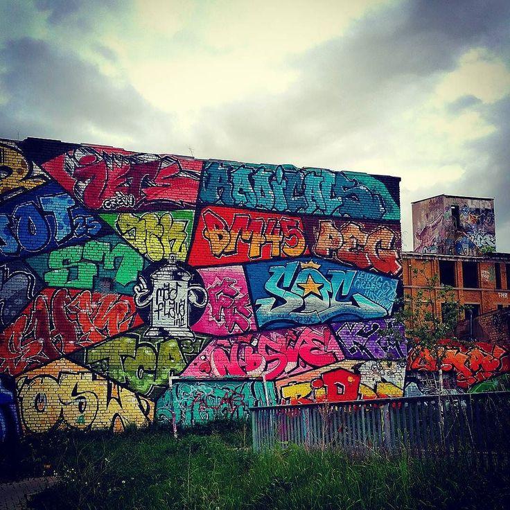 Wall of Fame... @werk2leipzig.  #graffiti #streetart #connewitz #art #walloffame #madflava #streetphotography #streetstyle #urbanart #04277 #leipzig #thisisconnewitz #myconnewitz #cnnwtz #connewitzgeschichten #connewitzergeschichten #connewitzer #germany #igersleipzig #thisisleipzig #leipzigstagram #leipzigram -- http://ift.tt/1NkAfBT by myconnewitz