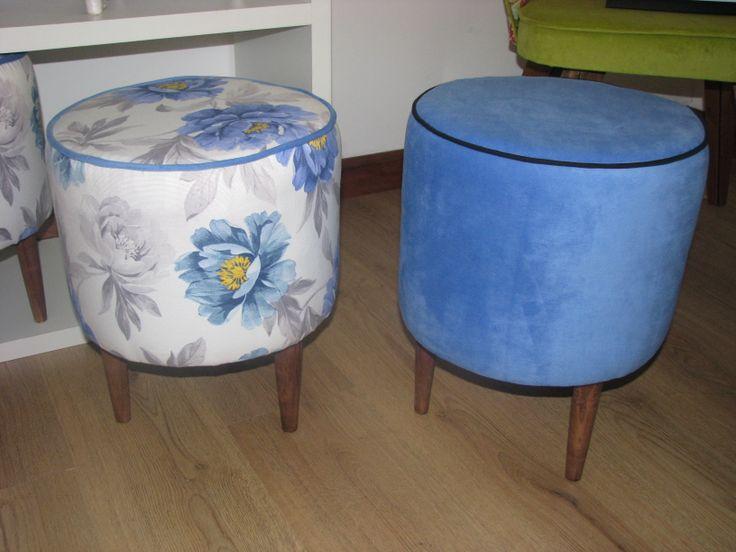 la pareja de pouf se aconseja  de asiento auxiliar para sala de estar y terrazas. Los puedes pedir en tapiz a elección