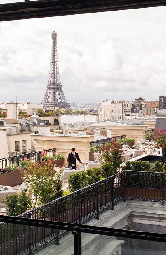 Hôtel The Peninsula Paris, Rooftop Restaurant with Eiffel Tower view