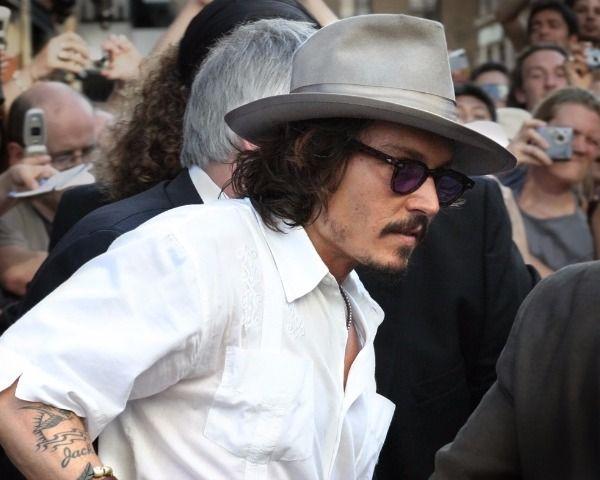 Johnny Depp Dead: Did Actor Commit Suicide After Divorce? - http://www.morningledger.com/johnny-depp-dead-actor-commit-suicide-divorce/1397693/