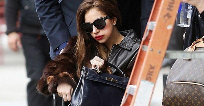 Lady Gaga ¿con nariz operada?