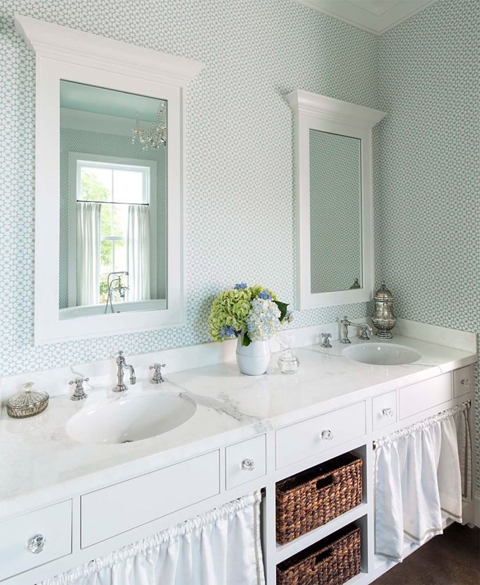 Such A Pretty Bathroom Via House Of Turquoise M Barnes And Co