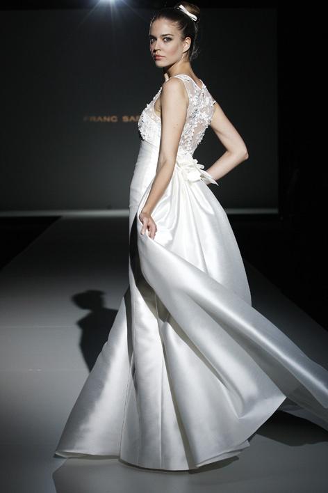Diseños femeninos, románticos y favorecedores para nuestras novias Franc Sarabia