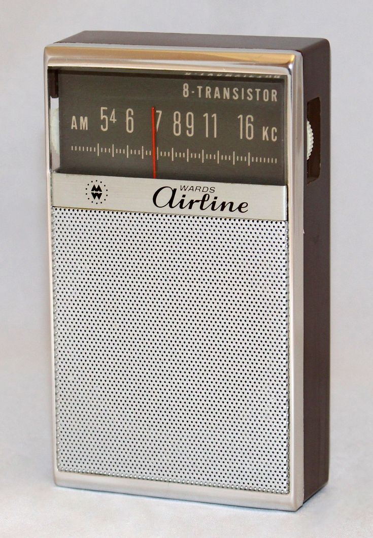 https://flic.kr/p/PitdN7 | Vintage Airline Transistor Radio, Model GEN 1177A, Sold By Montgomery Ward, AM Band Only, 8 Transistors, Made In Japan, Circa Late 1960s