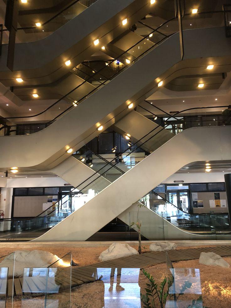 Spazi interni ed esterni, visti con gli occhi di chi, ogni giorno con entusiasmo, li sa coordinare, progettare, e realizzare. Universita Iulm Home Decor Stairs Decor