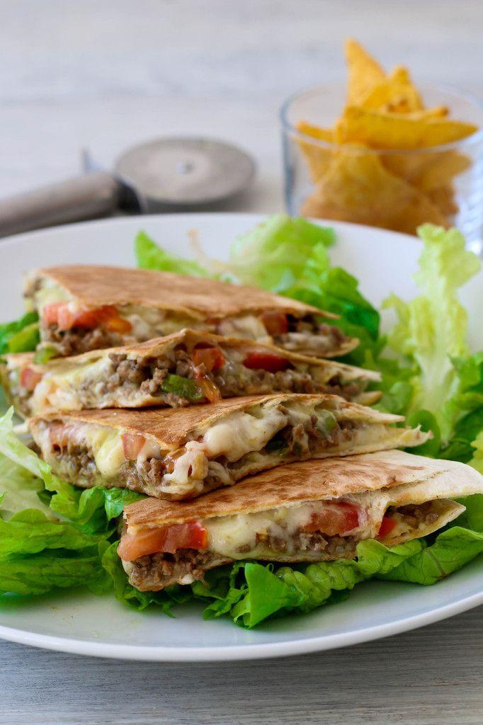 Les quesadillas sont réalisées à partir de tortillas de blé et sont toujours…