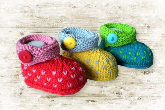 With this guide you knit super cute baby shoes with a …   – Baby shoes