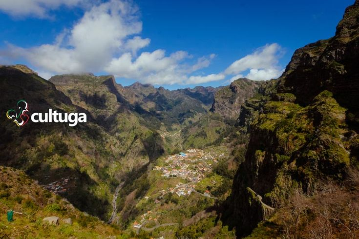 Curral das Freiras, uma das vistas mais bonitas da Ilha da Madeira, em Portugal. Roteiro de Viagem