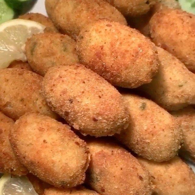 طبخات رمضان سهلة On Instagram كفتة بطاطس بالدجاج المقادير صدور دجاج 450 جرام بطاطس متوسط الحجم ٢ بصل متوسط الحجم مقطع صغ Food Vegetables Potatoes