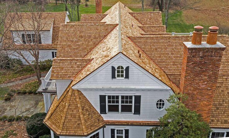 Best 25 cedar shingles ideas on pinterest cedar shingle for Cedar exterior siding pros and cons